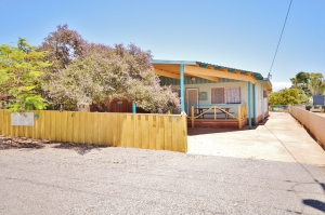 This is it: 4 bed, fenced, sleeps 6 in Kalbarri WA