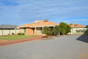 Fabulous: 4 bed, fenced, sleeps 8 in Kalbarri WA