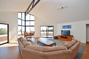 Picturesque: 4 bed, fenced, sleeps 6 in Kalbarri WA