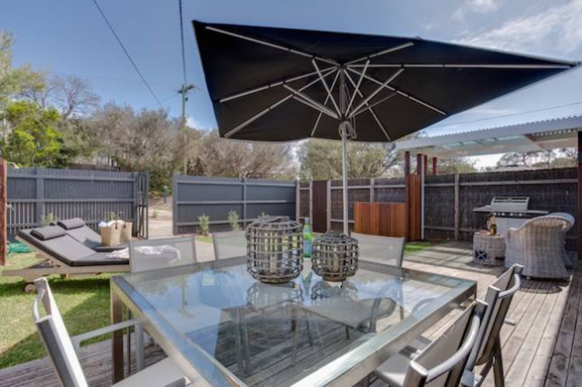 Pet friendly accommodation in Blairgowrie Mornington Peninsula VIC