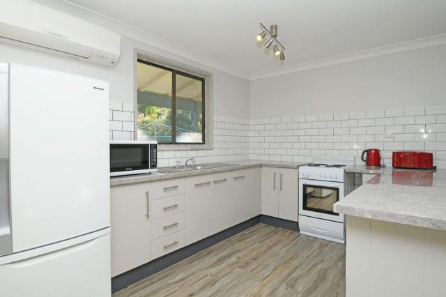 Pet friendly accommodation in Ellalong Hunter NSW