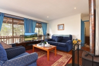 Outstanding 5 bed pet friendly holiday acreage, sleeps 8 in Ellalong New South Wales