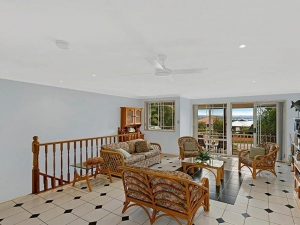 Shelly Beach - Backs onto Golf Course